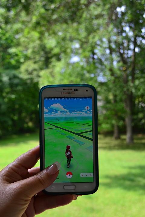 Pokemongo, Pokemon, Teléfono Celular, Móviles, Mano